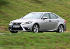 Lexus IS 300h – Tiše a za málo
