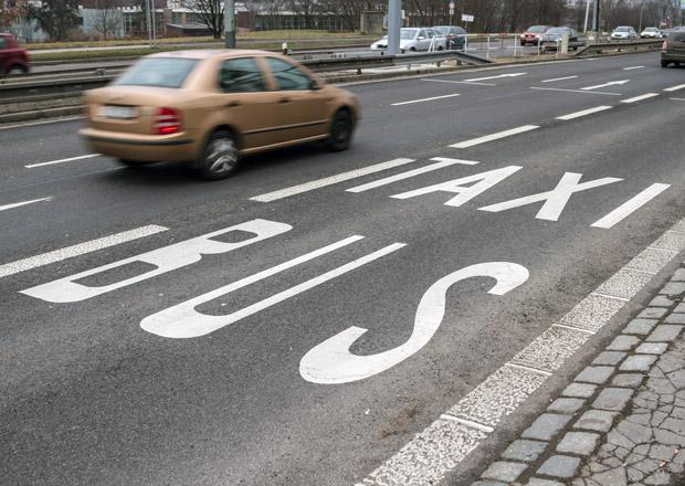 V Praze letos přibudou pruhy vyhrazené pro autobusy