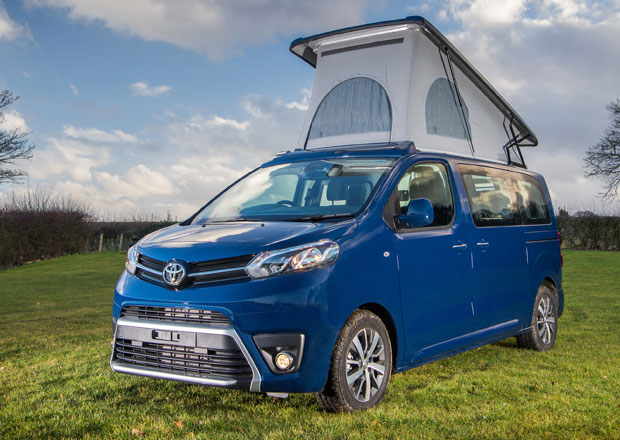 I Toyota Proace se umí proměnit v útulný obytný automobil