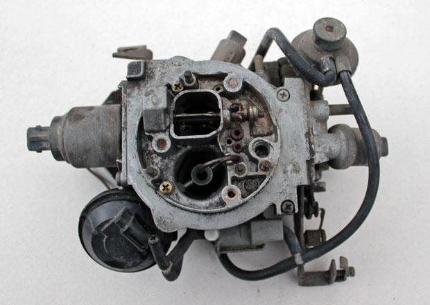 Elektronicky řízený karburátor: Přežil až do devadesátek. Díky Favoritu