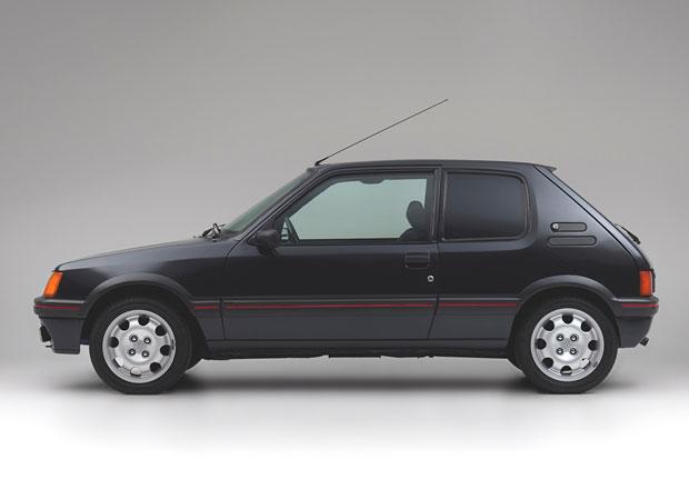 Chcete se vozit jako nejbohatší Evropan? Pořiďte si jeho pancéřovaný Peugeot 205 GTI