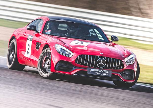 AMG Driving Academy: Na okruhu v Mostě jsme se učili řídit. S rychlými Mercedesy!