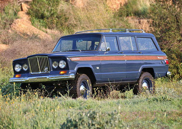Tento Jeep Wagoneer se jen tváří jako model z roku 1965, ale skutečnost je trochu jiná