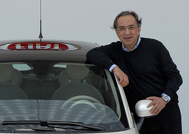 Po odchodu nemocného šéfa Fiatu klesají akcie celého koncernu