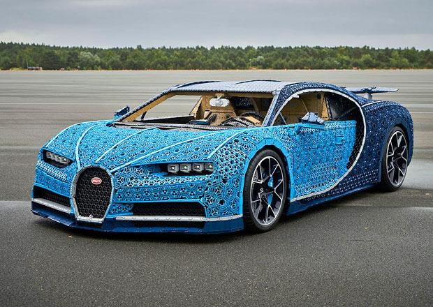 Lego postavilo z kostek Bugatti Chiron. V životní velikosti. A pojízdné! 877786a6d9