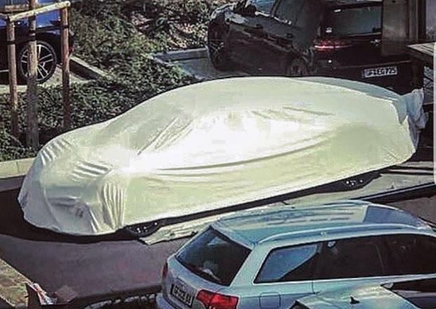 Přijde konečně Bugatti se čtyřdveřovým sedanem  Tohle zamaskované auto  naznačuje cce97108d1