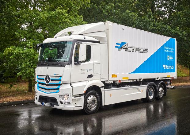 Mercedes-Benz eActros zahajuje provoz ve službách klientů