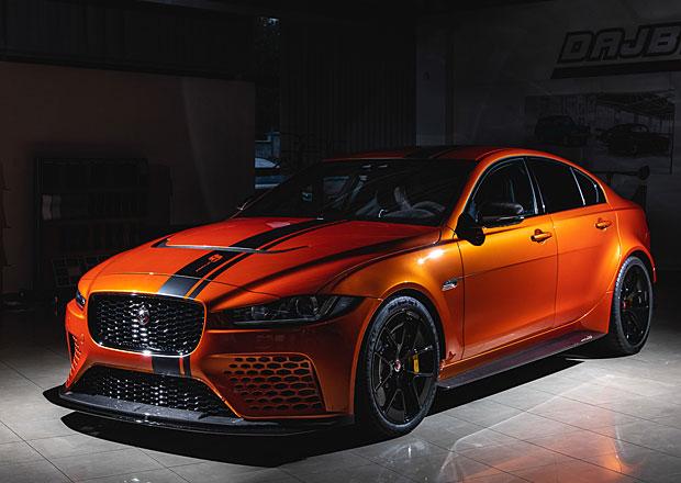 Tohle je jeden z prvních produkčních Jaguarů XE Project 8. ...