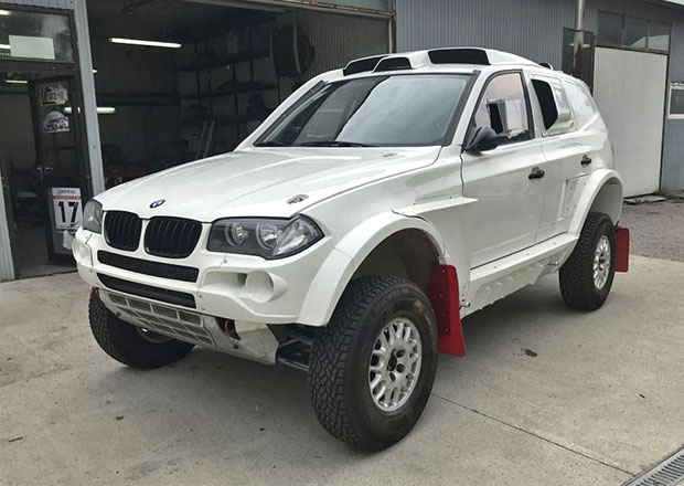 Chtěli byste vyrazit na Dakar? Máme pro vás tip na auto. BMW za 6,7 milionu!