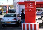 Kam se starým benzinem? A může starší palivo poškodit motor?