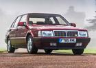 Silverstone Auctions nabízí dva pěkně rychlé sedany, které vlastnil Rowan Atkinson