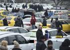 Taxikáři o dalších protestech rozhodnou po setkání s Babišem