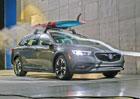 Rakev nebo jen ližiny na střeše auta: Jak moc zvyšují spotřebu paliva?