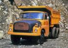 EU chystá emisní limity pro těžké nákladní vozy. Jejich emise CO2 mají klesnout o 30 %