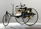 Mercedes postavil repliku svého prvního patentovaného vozu. Teď může být váš