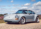Theon Design je britská alternativa Porsche 911 od Singer Vehicle Design