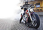 Ročně se u nás ukradnou motocykly za 23 milionů korun. Víte, jak si stroj zabezpečit?