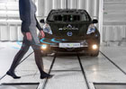 Elektromobily prý potřebují výfuk. Možná ho dostanou...