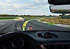 Jako ve videohře: Vozy Porsche vám prý poradí ideální závodní stopu na okruhu