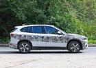 BMW testuje omlazenou X1 s minimem maskování. A plug-in hybridem