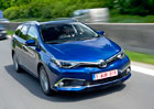 Toyota vyprodává Auris za slušnou cenu. Pořád je k dispozici i stará Corolla sedan