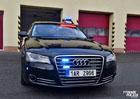 Policie na D11 nasadila do boje se zloději aut silnou Audi A8