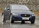 Jaguar XE 20t (147 kW) – Čekání na vlastní zdroje