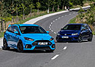 Ford Focus RS vs. VW Golf R – Raubíř a profesor