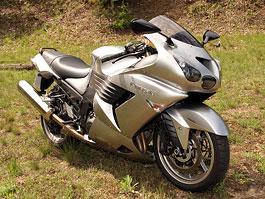 Test - Kawasaki ZZR1400: božský hypertourer