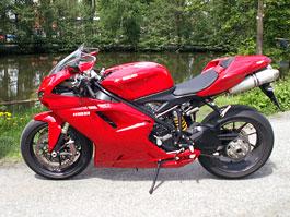 Ducati den v Milíně - 3 červené a 3 bílé