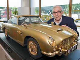 Pozlacený model Aston Martinu DB5 se prodal za dva miliony korun