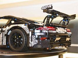 Lego: Postavte si Porsche 911 GT3 RS. I s kamufláží