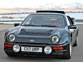 Jeden z 146 Fordů RS200, které smějí i na silnici, se prodal za víc než 6 milionů