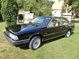 Volvo kdysi prodávalo i krásná kupé. Jedno takové je právě na prodej