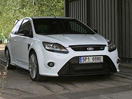 Řídili jsme Ford Focus RS druhé generace. Jeho pětiválec je pořád úchvatný