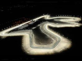 GP Kataru - našim jezdcům se pod světly nedařilo
