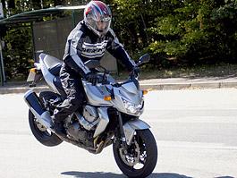 Test - Kawasaki Z750: je to rošťák: titulní fotka