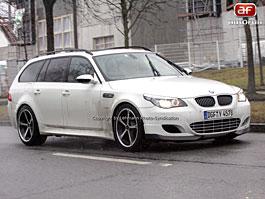 Spy photos: BMW M5 Turbo –  Plánovaný puč: titulní fotka