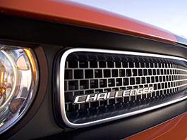 Dodge Challenger SRT8 – Oprávnění nosit pruhy: titulní fotka