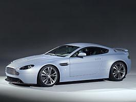 Aston Martin V12 Vantage RS Concept: Nálet na emoce: titulní fotka