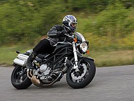 Test - Ducati Monster S2R 1000: titulní fotka