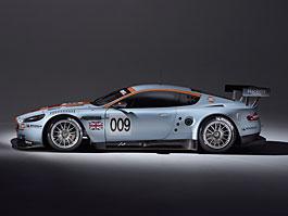 Aston Martin DBR9 přijíždí ve slavných barvách Gulf: titulní fotka