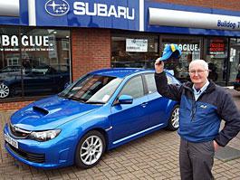 Jakého znáte nejstaršího majitele Subaru WRX STI? Ronovi je 77 let...: titulní fotka