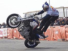 Chris Pfeiffer - mistr světa 2007 ve streetbike freestyle (5x video): titulní fotka