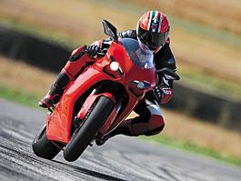 Ducati snižuje ceny u většiny svých motocyklů: titulní fotka