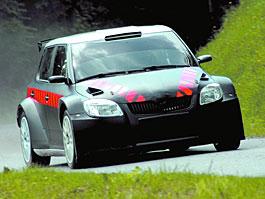Carlos Sainz testuje Fabii Super 2000 pro rallye: titulní fotka