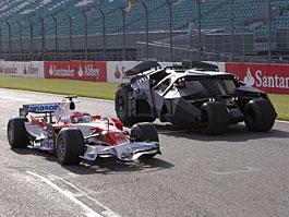 Toyota F1 spolupracuje s Batmanem: titulní fotka