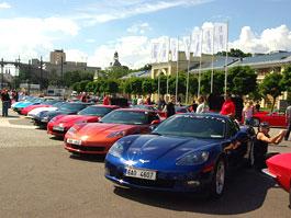 Prahou burácelo 250 Corvette: titulní fotka