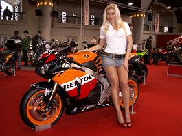 Motocykl 2009: informace a živé foto z výstavy: titulní fotka