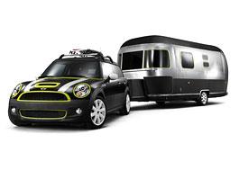 Mini Clubman s přívěsem Airstream: kudy se jede na pláž?: titulní fotka